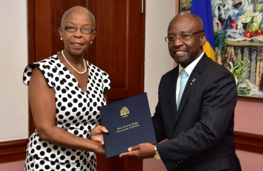 minister of culture appoints poet esther phillips as barbados' first poet laureate - february 2018
